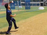 तेंडुलकरने 270 डावात गोलंदाजी केली आहे. यात त्याने 153 बळी घेतले आहेत.