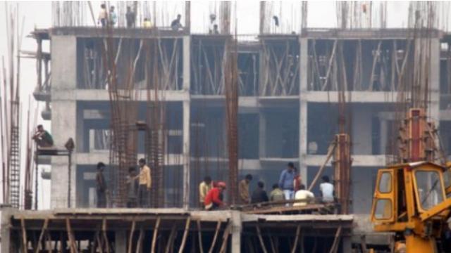 परवडणारी घरे देणाऱ्या बांधकाम विकसकांना एक वर्षाची 'कर विश्रांती'