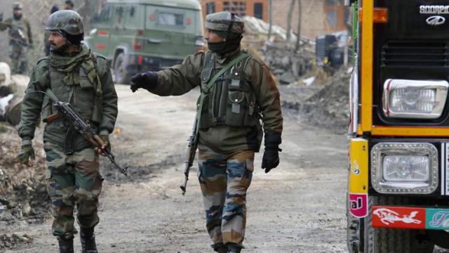 काश्मीरमध्ये दहशतवाद्यांनी ठेकेदाराची केली हत्या  (ANI/ File Photo)