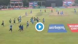 भारत-बांगलादेश यांच्यातील खेळाडू मैदानात भिडले