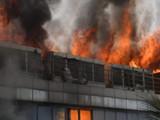 अंधेरीत इमारतीला भीषण आग