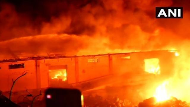 चेन्नईत तेल गोदामाला भीषण आग (ANI)