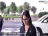 आणि सारा अली खान दिसली विमानतळावर...