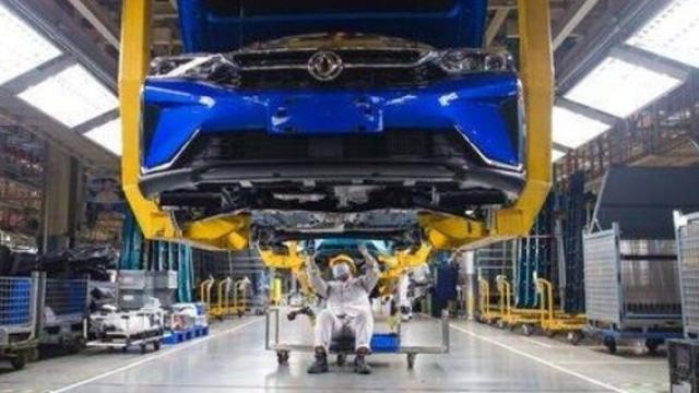 हुबेई प्रांत हा चीनमधील कार उत्पादनासाठी प्रसिद्ध भाग आहे.
