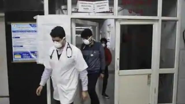 दिल्लीतील डॉक्टरलाच कोरोनाची लागण झाल्याची पुष्टी (संग्रहित)
