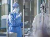 कोरोनाबाधित रुग्णांवर उपचार करणारे डॉक्टर