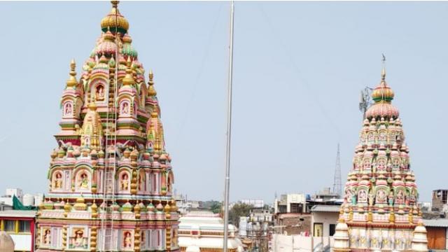 मंदिर समितीने आता मुख्यमंत्री सहायता निधीला एक कोटी रुपयांची मदत देण्याचा निर्णय घेतला आहे.