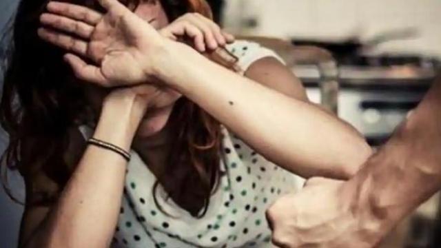 कौटुंबिक हिंसाचार (प्रतिकात्मक छायाचित्र)