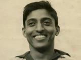 माजी फुटबॉलपटू आणि रणजी क्रिकेटर चुन्नी गोस्वामी (संग्रहित छायाचित्र)